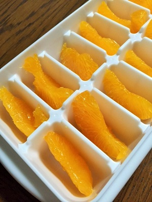 製氷皿で冷凍フルーツ4