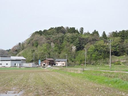 細呂木館跡遠望(南から)