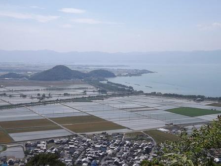 11八幡山城西ノ丸から西側を望む