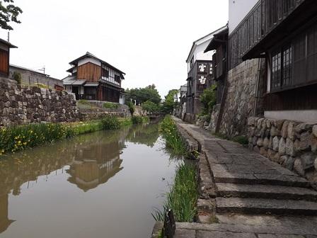 23八幡堀(参道下から)