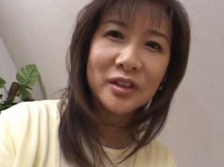 【熟母】今度は母さんが気持よくしてあげる!岡江由美子