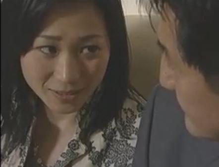 【ヘンリー劇場】他人棒に燃える人妻と犯される姿に興奮する夫