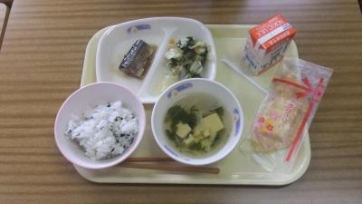 中学校の初給食