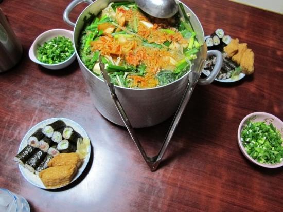 寿司、スンドゥブチゲ風鍋