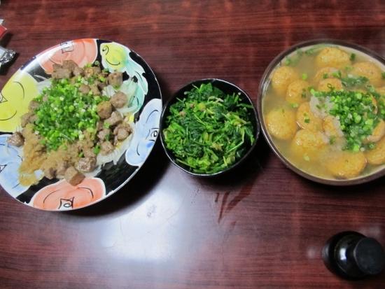 サイコロステーキ大根おろしソース,豆腐と白身魚揚げのみぞれ汁