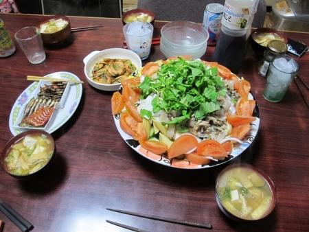 肉ときのこの塩だれ炒めサラダ,大根と豆腐と揚げの味噌汁