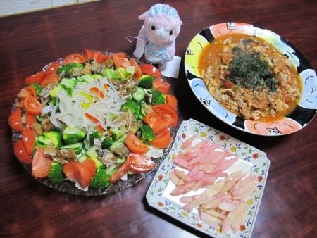 岩下の新しょうがと紫蘇しょうが,鍋リサイクル豚のトマト煮,サンマ竜田揚げ,岩下のぷら酢ベジのせサラダ