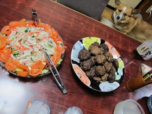 ひき肉2kgのハンバーグ,サラダ