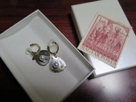 切手とアクセ