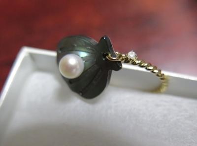 黒蝶貝と本真珠のリング
