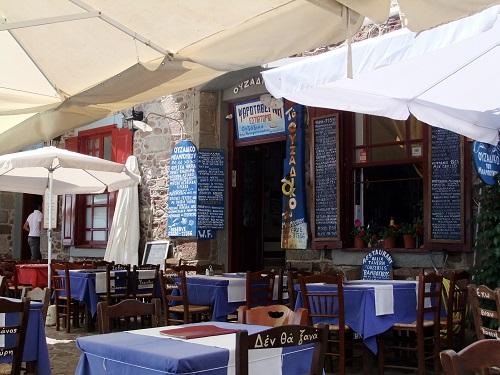 モリヴォスで昼食 (1)