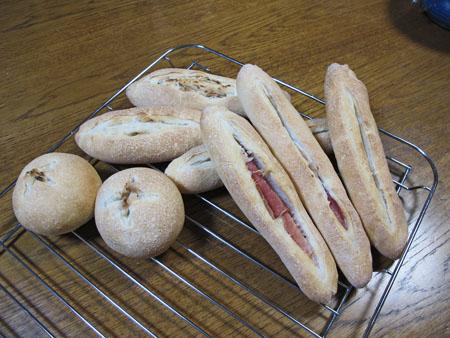 3月10日 クリームチーズ入りパン
