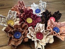 花のコサージュ201504104