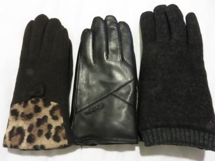 ロッテ百貨店で手袋のお土産