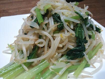 もやしと小松菜の炒め物