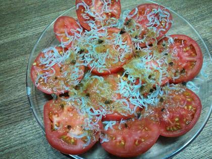じゃことトマトのサラダ