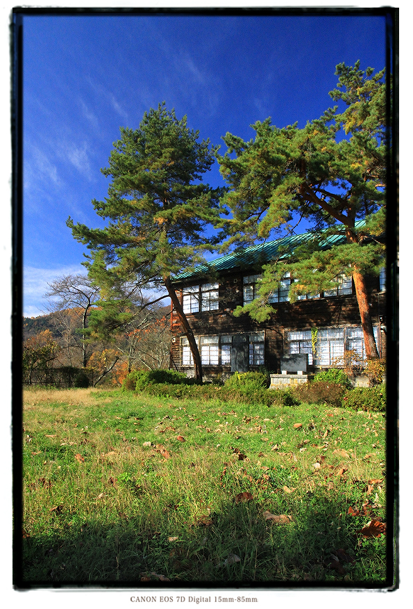長野県の廃校木造校舎外観1311naganohai01.jpg