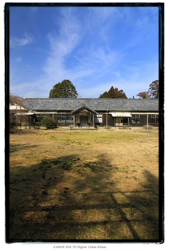 廃校木造校舎1402miehai1.jpg