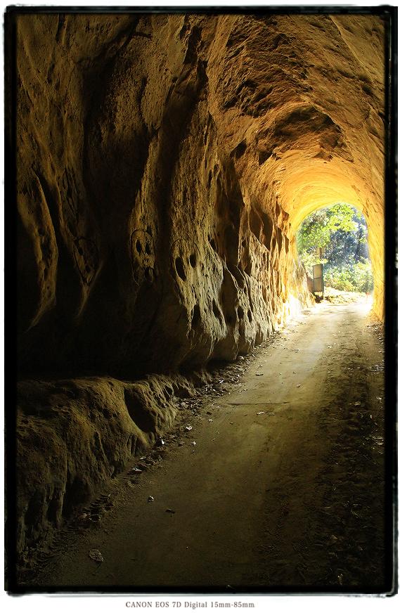 素掘りのトンネル岩谷隧道1501harumatome10.jpg