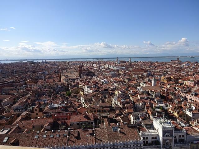 vベネチアの街を上から見たところ