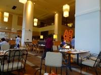 テラスレストラン「ガーデンカフェ」