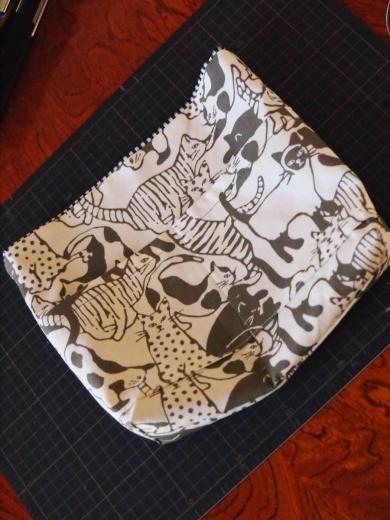 猫柄&リバーシブルのバッグ・イン・バッグ