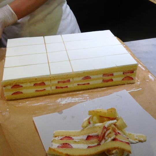 京王ケーキ作り
