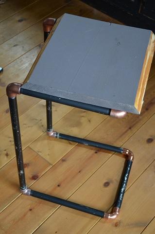 配管サイドテーブル