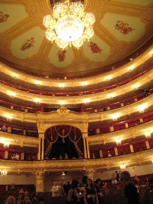露_ボリショイ劇場の中の後ろ天井