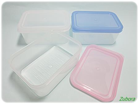 ダイソーのプラスティック保存容器