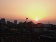 20150427三鷹跨線橋からの夕陽2