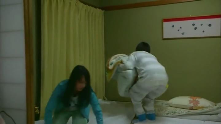 2代目【GTO】神崎麗美お宝パジャマシーンを披露、パジャマ1