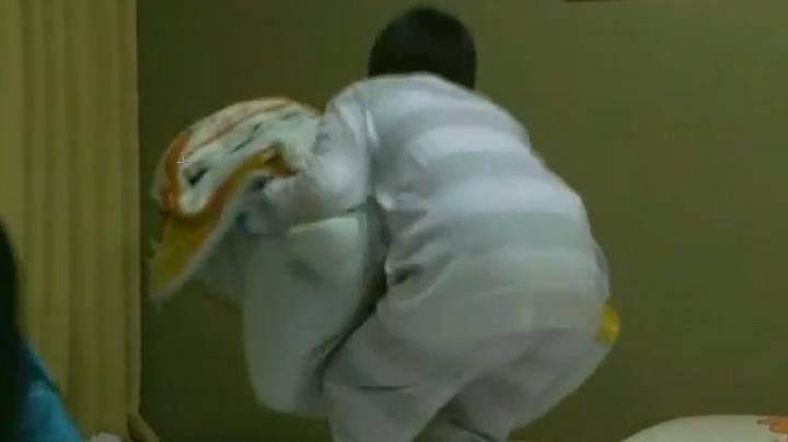 2代目【GTO】神崎麗美お宝パジャマシーンを披露、パジャマ(アップ)1