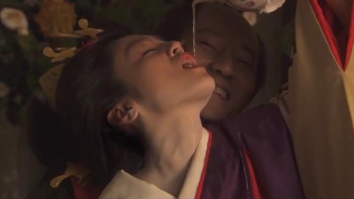 魅せた【花宵道中】安達祐実ヌードと濡れ場!1回目、酒を飲まされる