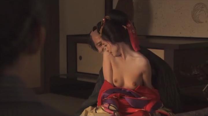 魅せた【花宵道中】安達祐実ヌードと濡れ場!1回目、両方の乳首披露