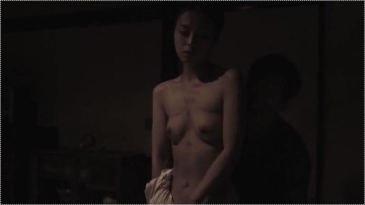 祥子【D坂の殺人事件】でヌードと濡れ場を披露!1回目、両乳首が露出