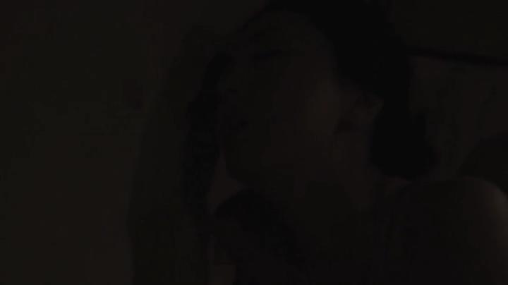祥子【D坂の殺人事件】でヌードと濡れ場を披露!1回目、絡み9(暗)