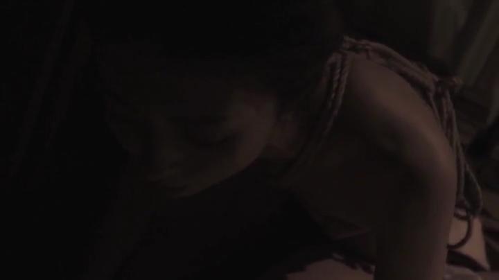 祥子【D坂の殺人事件】でヌードと濡れ場を披露!1回目、絡み12(暗)