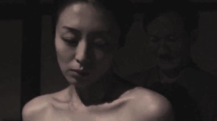 祥子【D坂の殺人事件】でヌードと濡れ場を披露!1回目、絡み8(明)