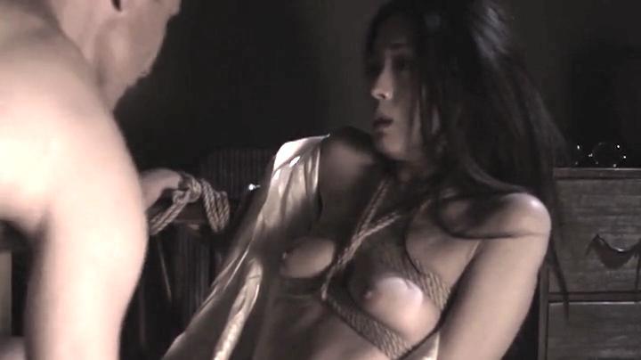 祥子【D坂の殺人事件】でヌードと濡れ場を披露!3回目、絡み11(明)
