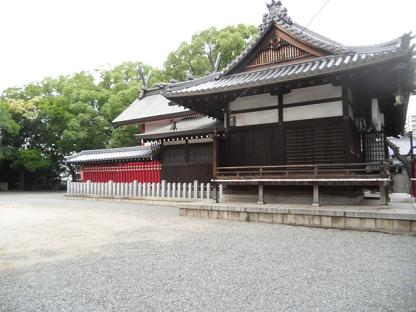 4 止止呂比売命神社の本殿と拝殿