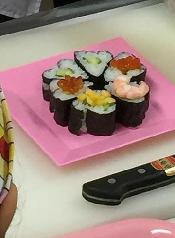 4 オリジナルでハート型のお寿司
