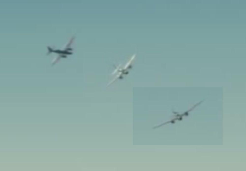 アンブロークンの日本爆撃機2