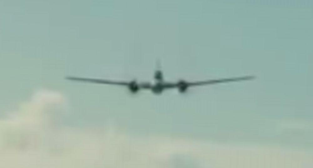 アンブロークンの日本爆撃機1