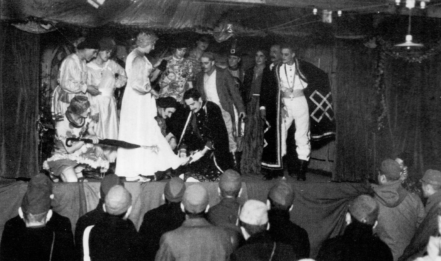 実際の大森捕虜収容所での「シンデレラ」の舞台