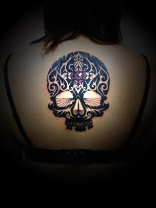 miyawakitattoobodypiercing-back-black-skull001.jpg