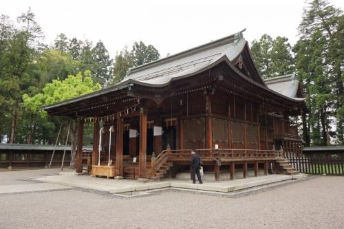 10拝殿 (1200x800)