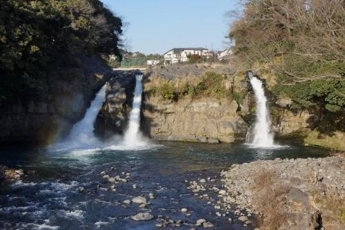 3五竜の滝 (1200x800)