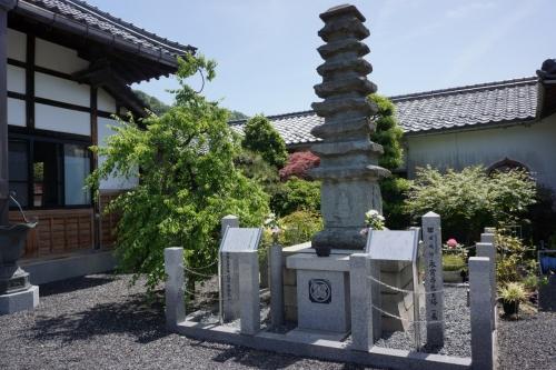 4大谷吉継供養塔 (1200x800)