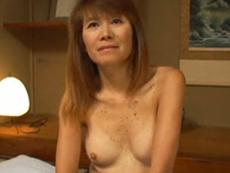熟れすぎてごめん:【無修正】151cmAカップの小柄な53歳熟女さんとハメ撮り 小泉聖子